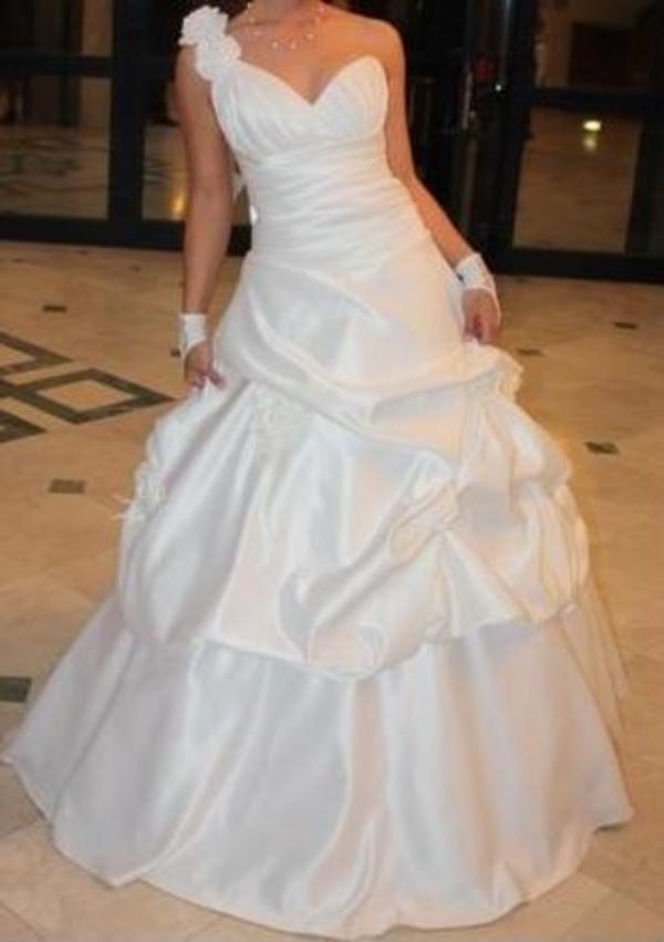 Продам эксклюзивное свадебное платье!